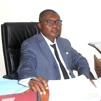 M-CHOMSEM-Appolinnaire-Directeur-Administratif-&-Finance